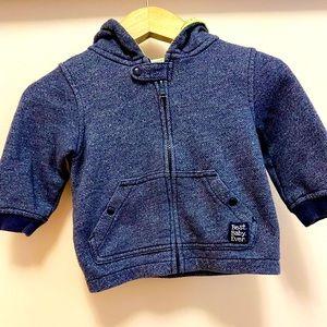 Gymboree boy sweatshirt .Gently used.12-18 mos.
